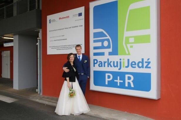 """Ślub na parkingu """"Parkuj i Jedź"""" ZTM"""