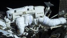 """Luca Skywalker"" - astronauta Luca Parmitano podczas kosmicznego spaceru (ESA/NASA)"