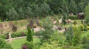Rozległy ogród pokazowy na stoku (odc. 450)